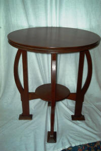 English Arts and Crafts Round Mahogany Table - Antique Dealers In The Berkshires, Great Barrington Antiques Center - Great Barrington, MA